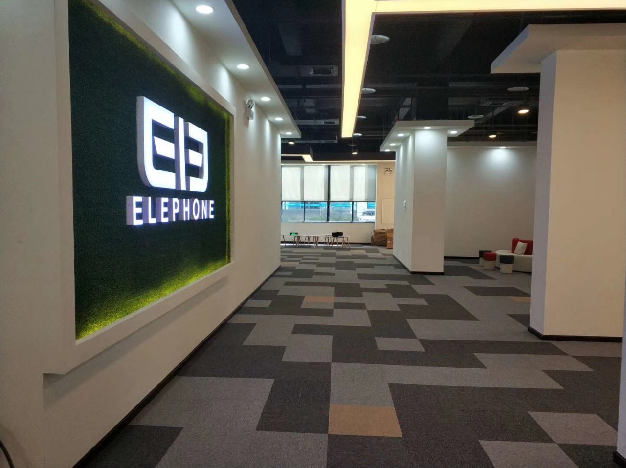 Elephone-factory-_20180515-161656_1